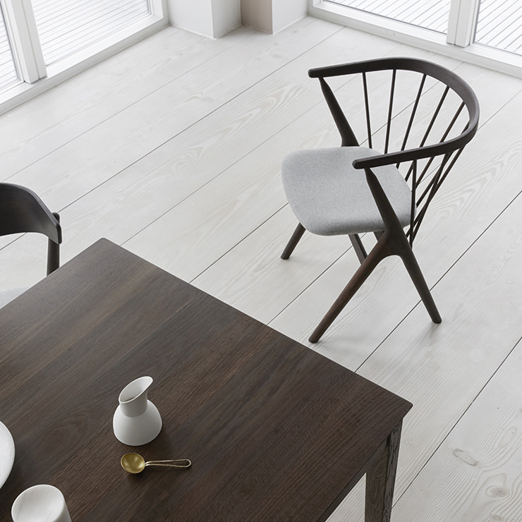 Cadeira de jantar Sibast No 8 e mesa de jantar Sibast No 2_Sibast Furniture_Aram Store