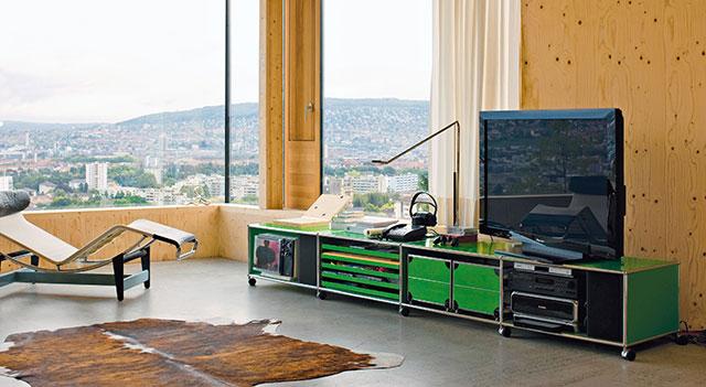 USM Haller modular system in green
