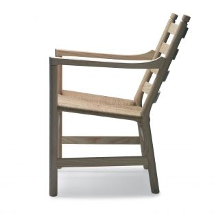 CH44 Lounge Chair by Hans Wegner from Carl Hansen & Son - Aram Store