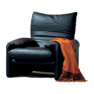 Maralunga Armchair by Vico Magistretti for Cassina - Aram Store