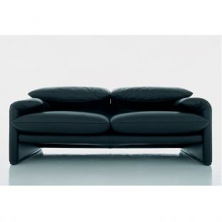 Maralunga 2 seat sofa by Vico Magistretti for Cassina - ARAM Store