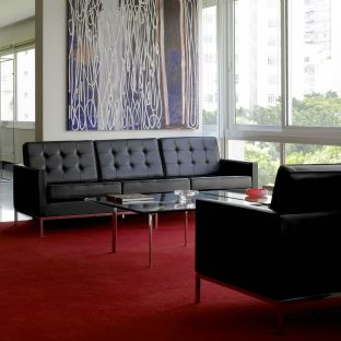 Florence Knoll 3 Seat Sofa from Knoll International - ARAM Store