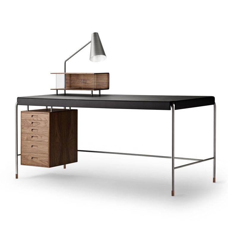 AJ52 Society Table - Desk by Arne Jacobsen 160cm - oak and brown leather