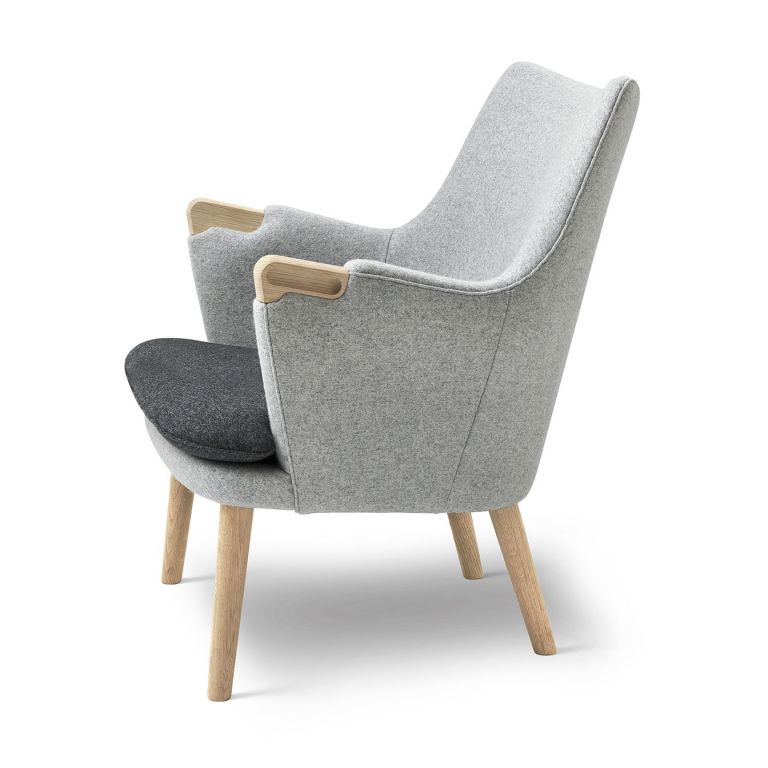 CH71 Lounge Chair