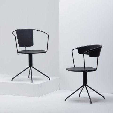Uncino A Swivel Chair