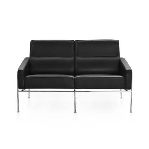 Series 3302 2 seat sofa by Arne Jacobsen for Fritz Hansen - Aram Store