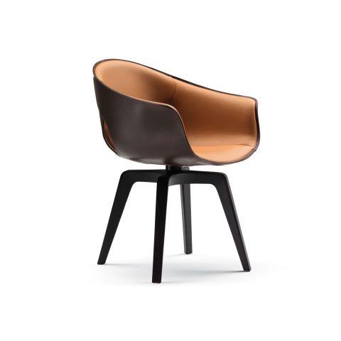 Ginger Swivel Armchair from Poltrona Frau - Aram Store