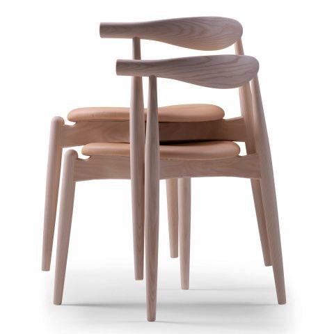 CH20 Elbow Chair by Hans Wegner from Carl Hansen & Son - Aram Store