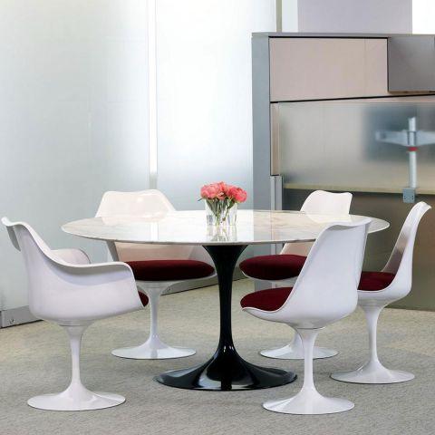 Saarinen Round Table 137cm by Knoll International - ARAM Store