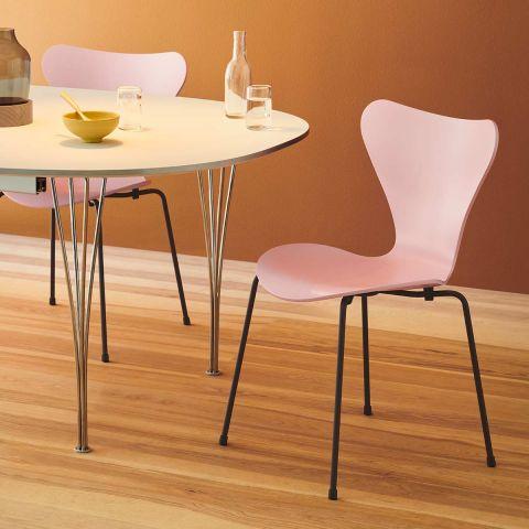 Series 7 Chair 2020 Colours - Arne Jacobsen from Fritz Hansen - ARAM Store - Venetian Red coloured Ash warm graphite legs